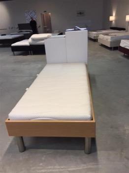 afsluttet 5 senge fra dansk m bel fabrikanter 3 dobbeltsenge og 2 enkelt senge til salg p. Black Bedroom Furniture Sets. Home Design Ideas