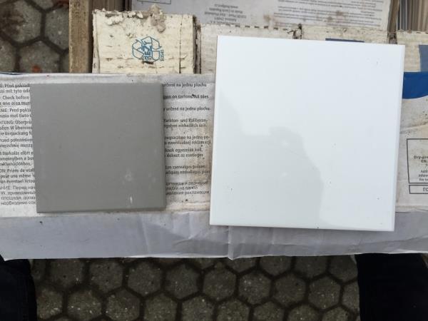 Afsluttet] 30 m2 hvide badeværelse klinker 15 x 15 cm og 10 m2 grå ...